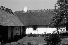 Palssonhuset-frestaurerat-1986-gardstunet